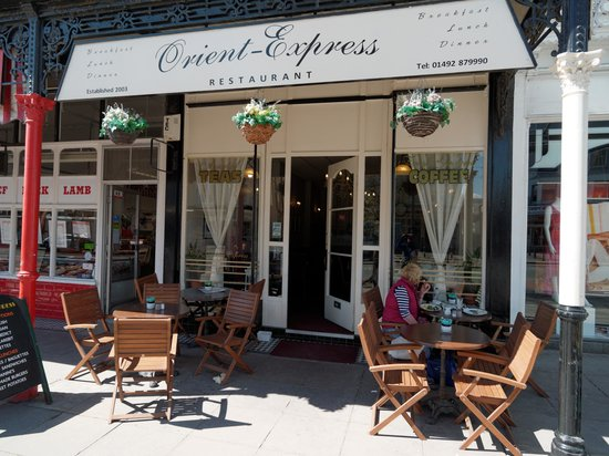 Orient Express Cafe & Restaurant: Outside seating