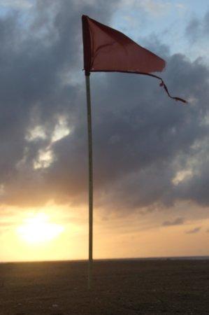 AVANI Kalutara Resort: Warning Flag