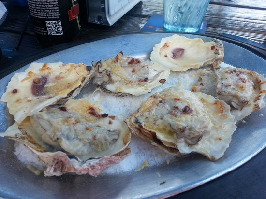 Mulligan's Raw Bar & Grille: Oysters