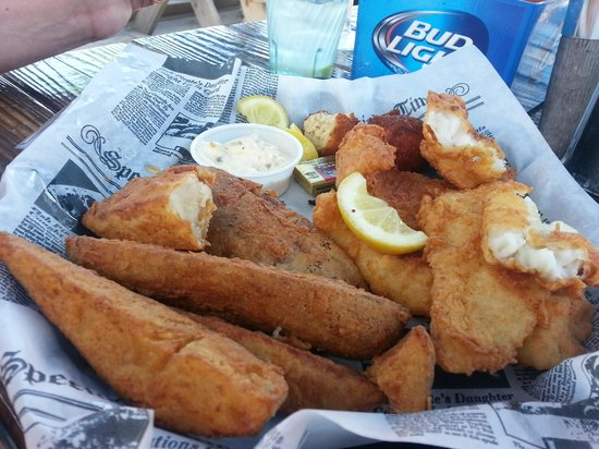 Mulligan's Grille in Historic Cottage Row : Fish and chips