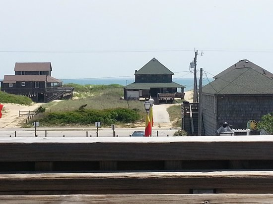 Mulligan's Raw Bar & Grille: View from deck