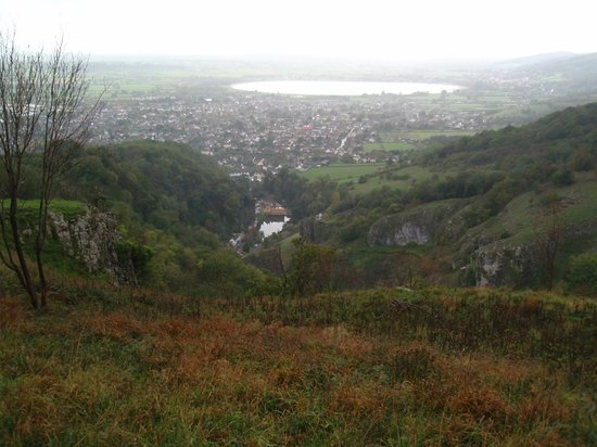 Cheddar Caves & Gorge: View from the gorge