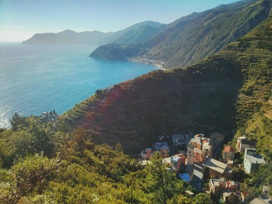 Trail 531 Riomaggiore to Manarola: From the top of the mountain overlooking Manarola