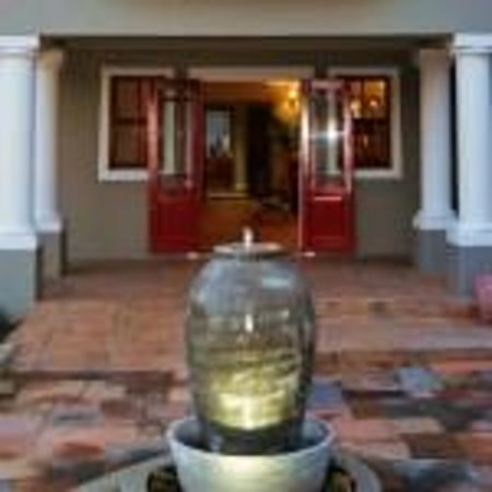 Mandyville Hotel : Entrance