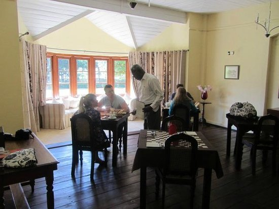 Ferncliff: Breakfast in the dining room