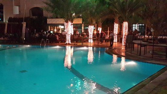 Le Royal Meridien Abu Dhabi : Good night view