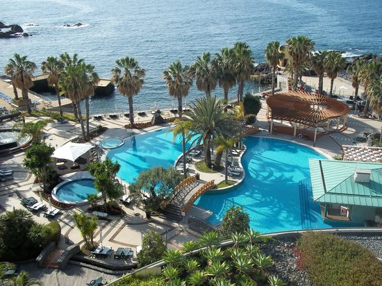 Royal Savoy Hotel : One of the pools