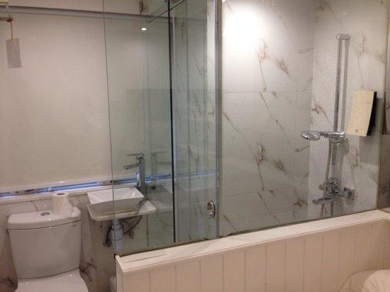 Mini Hotel Central Hong Kong: bathroom