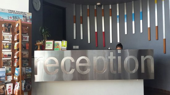 Loft Legian Hotel: Reception