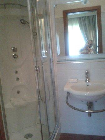 Aurelia Residence San Pietro: Banheiro