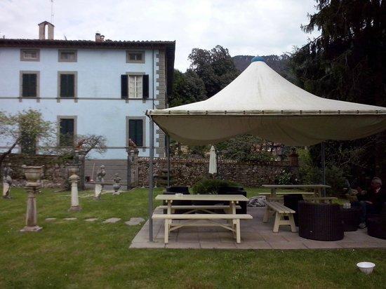 Villa Montecatini - La Cantinetta: Un angolo della limonaia