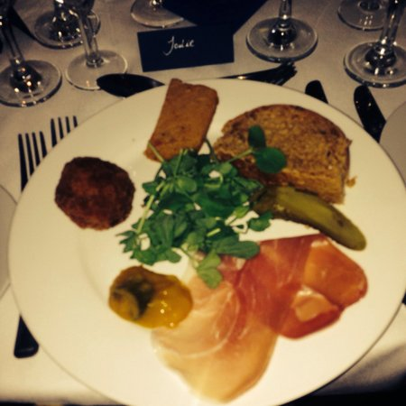 Jolyon's at No. 10: Amazing wedding food
