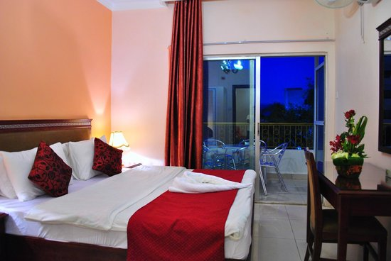 Al Qidra Hotel : DBL bed (suite room)