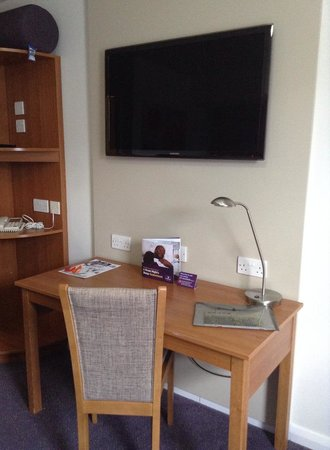 Premier Inn London Beckton Hotel: quarto