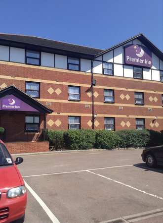 Premier Inn London Beckton Hotel: Vista do hotel do parque de estacionamento