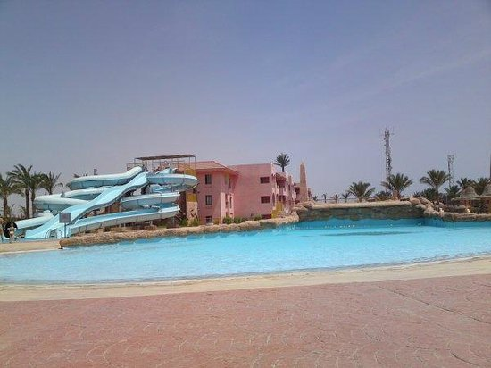 Park Inn by Radisson Sharm El Sheikh Resort: wave pool and our hotel block