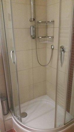 Hotel Santo : Badezimmer