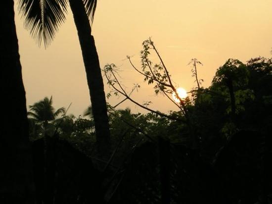 Heritage Village Club Goa : beautiful sun set