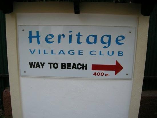 Heritage Village Club Goa : way to beach