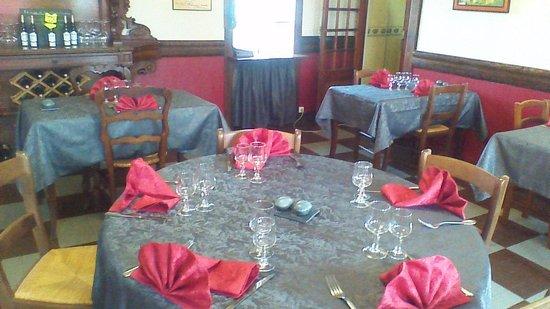 Hotel Restaurant de la Hague : table