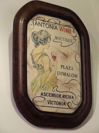Antonia Wines Boutique: Lokal