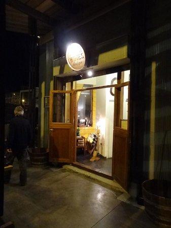Antonia Wines Boutique: Weinbar