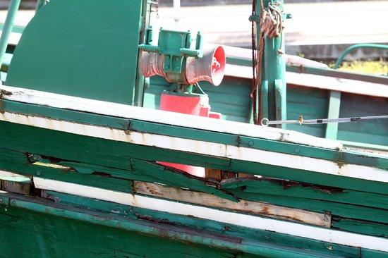 Museo Marítimo Ría de Bilbao: No es buena imagen para un Museo ver barcos en este estado