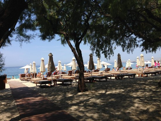 Glyfada Beach: lounge
