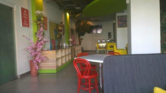 MaxOneHotels @ Vivo Palembang: Cafe/Bistro