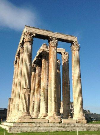 Athens Walking Tours : Zeus Temple