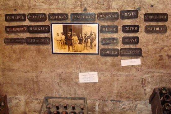 Musée du Vin et du Négoce : Placename stencils