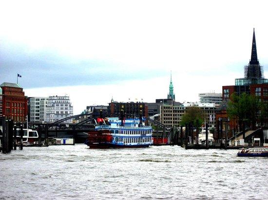 Port of Hamburg: St Pauli Landungsbrücken