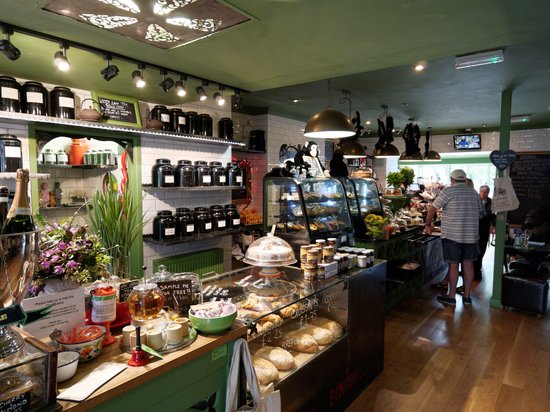 Alpine Coffee Shop : Good selection of cakes & desserts