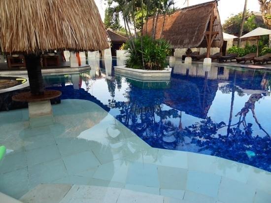 Rama Beach Resort and Villas : pool