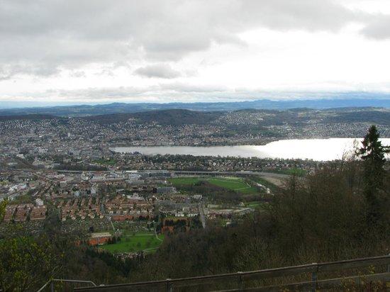 Restaurant Allegra im UTO KULM: Vue panoramique sur la ville et le lac de Zürich