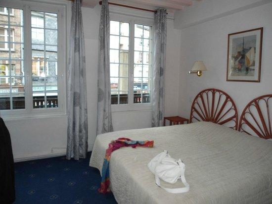 Hotel du Dauphin: Notre chambre double