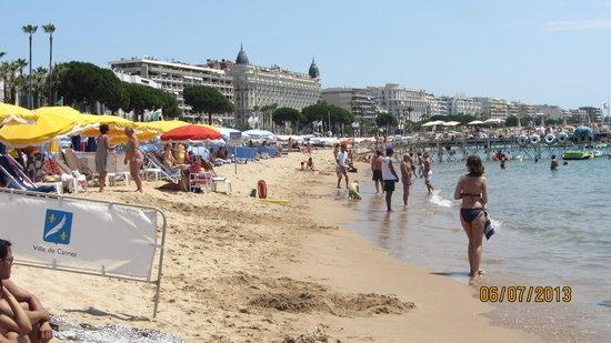 La Croisette : Пляж вдоль набережной