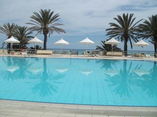 Omar Khayam Club : pool area
