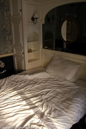 Carlton Lausanne Boutique Hotel : It's a bed