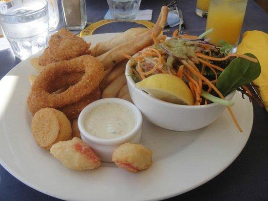 Yorkey's Knob Boat Club: Seafood basket