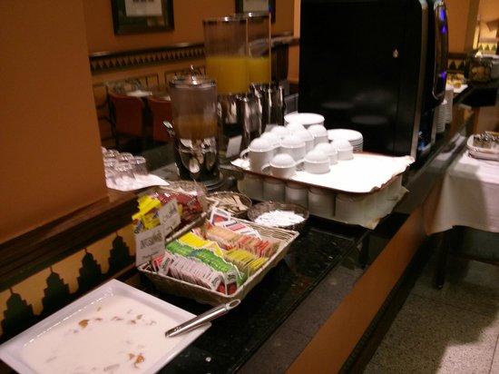 Saray Hotel: Breakfast buffet - drinks