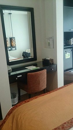 Holiday Inn Dubai - Al Barsha : Quarto w