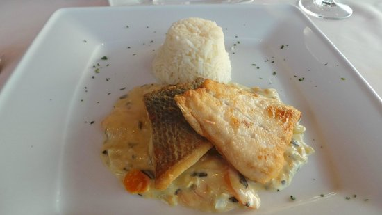 Trilogia Restaurant: Sea bass main course