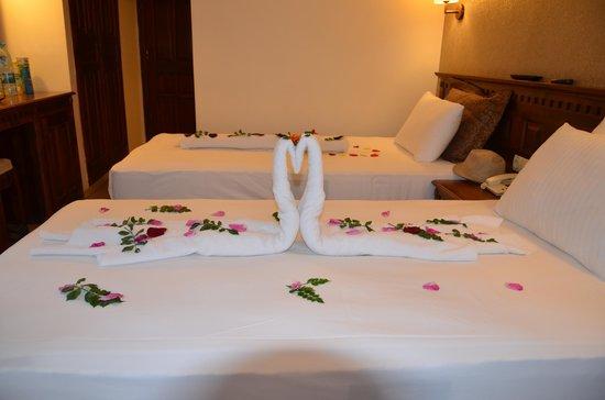 Hotel Greenland: towel art