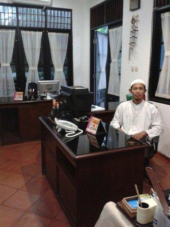 Bali Muslim Tour Guide