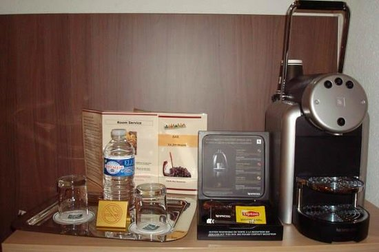 Quality Hotel Bordeaux Centre: Coffee machine