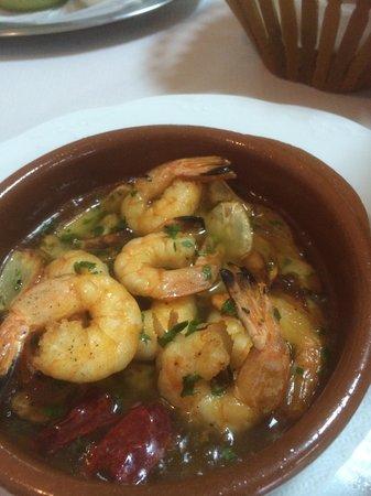 Casa Mary: Garlic prawn starter