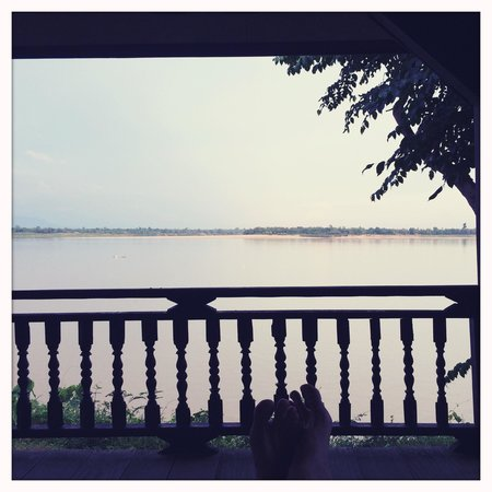 Champasak Spa: the view of the Mekong at the pavilion you get to rest between and after treatments.