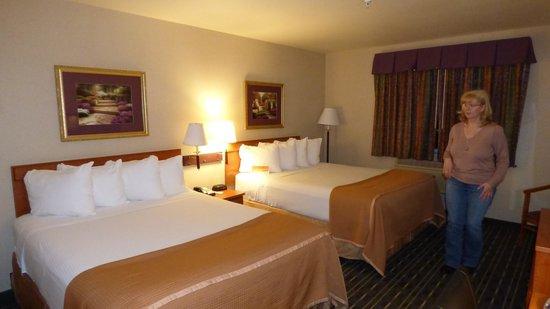 Hotel Aura San Bruno: Standard Doppelzimmer mit zwei Queensize