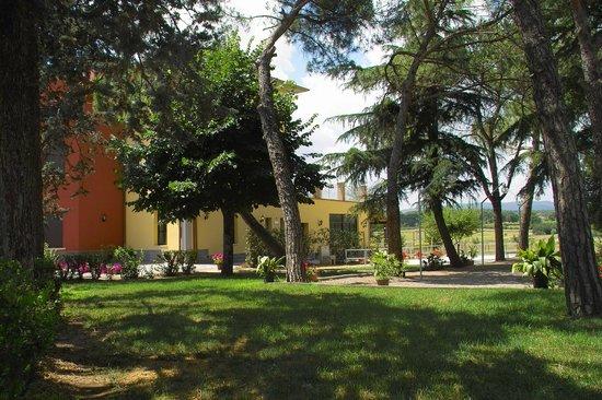 Hotel Tiziana : giardino